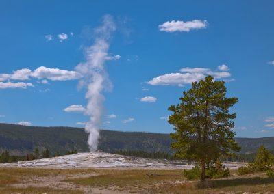 Old-Faithful - Upper Geyser Basin - Yellowstone National Park